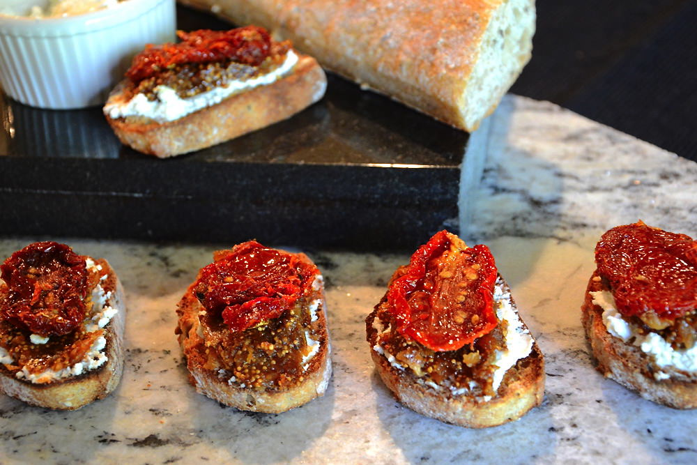 Sun-Dried-Tomato-&-FIg-Jam-Bruschetta