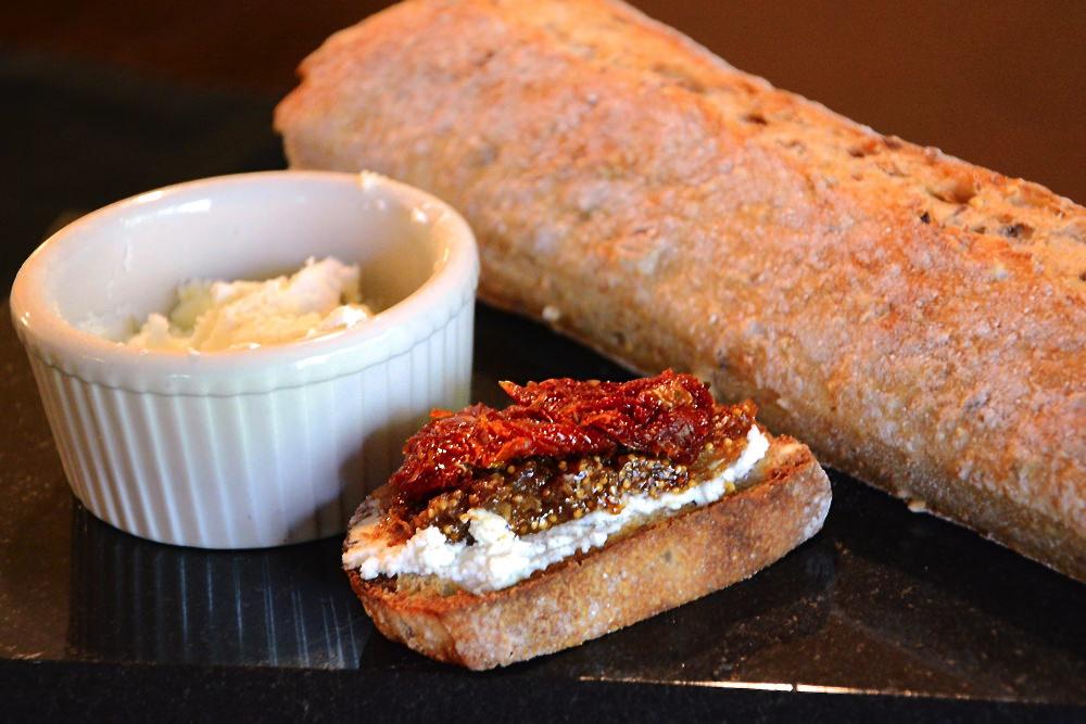 Sun-Dried-Tomato-&-Fig-Jam-Bruschetta 2
