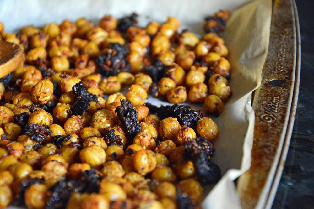 Bruschetta-Roasted-Chickpeas