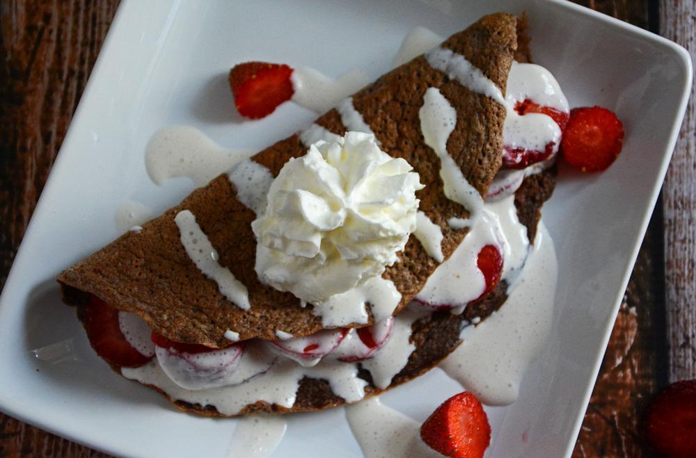Skinny Strawberries and Cream Chocolate Crepes