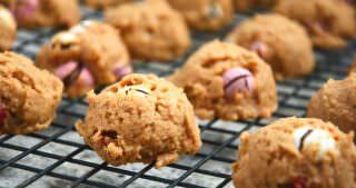 Flourless Peanut Butter M&M Cookies