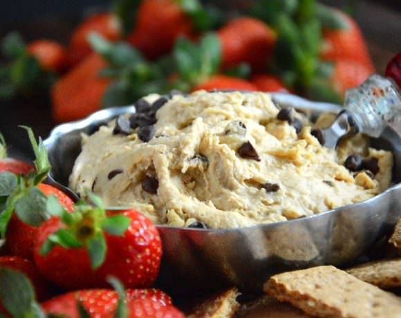 Skinny Cookie Dough Dip | The Housewife in Training Files