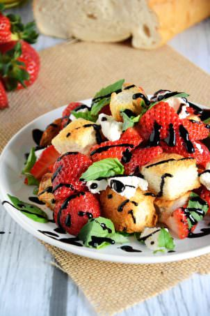 Honey & Strawberry Panzanella Salad   The Housewife in Training Files
