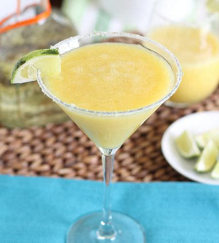 Mango Coconut Margarita | Running to the Kitchen