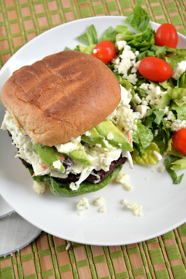 {15 Minute} Spicy Black Bean Burgers with Blue Cheese Coleslaw | This dinner will be ready in no time! #vegetarian #burger #coleslaw #avocado #healthy
