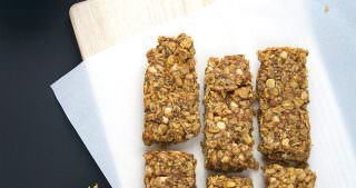 Vanilla Yogurt Pumpkin Pie Granola Bars