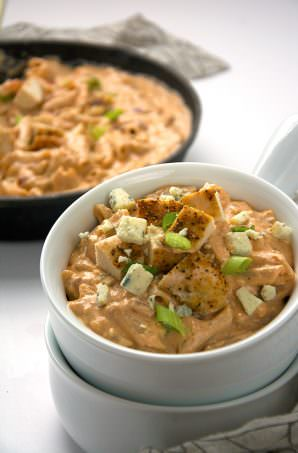 A buttery sauce mixed with smoked gouda and blue cheese make one velvety and flavorful and lighter BBQ chicken mac and cheese. The ideal comfort food! #pasta #BBQ #chicken #glutenfree