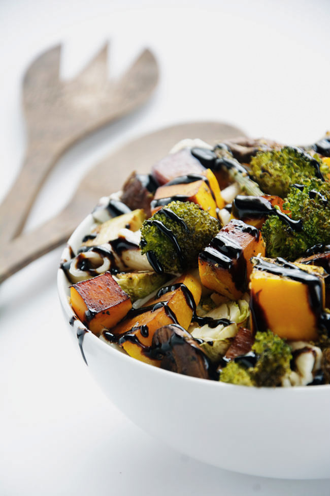Caramelized, roasted autumn vegetables mixed with a simple pasta tossed in olive oil and lemon juice. A healthy pasta dish with sweet and savory flavors!