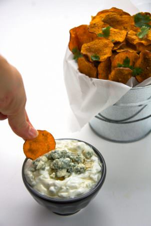 Super crunchy and healthy sweet potatoes chips that are not fried, rather made in your microwave! No frying needed and only 5 minutes away from a homemade snack!