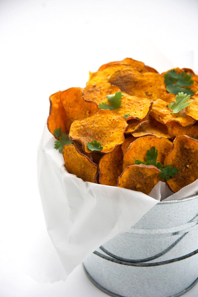 Super crunchy and healthy sweet potato chips that are not fried, rather made in your microwave! No frying needed and only 5 minutes away from a homemade snack!