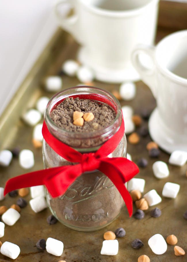 A healthy hot cocoa mix with a touch of peanut butter that tastes just like you are indulging in a peanut butter cup! #healthy #glutenfree #hotchocolate #mix
