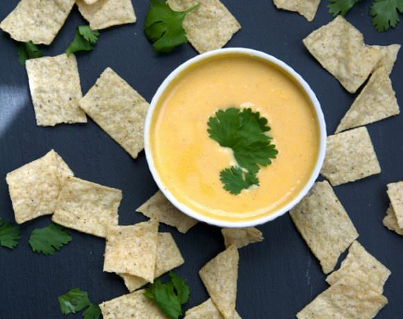 Skinny Queso Dip {Made with Greek Yogurt}