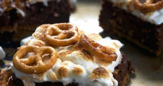 Toasted Marshmallow Brownies with Cinnamon Sugar Pretzel Crust