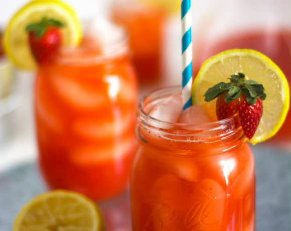 Skinny Sparkling Strawberry Lemonade