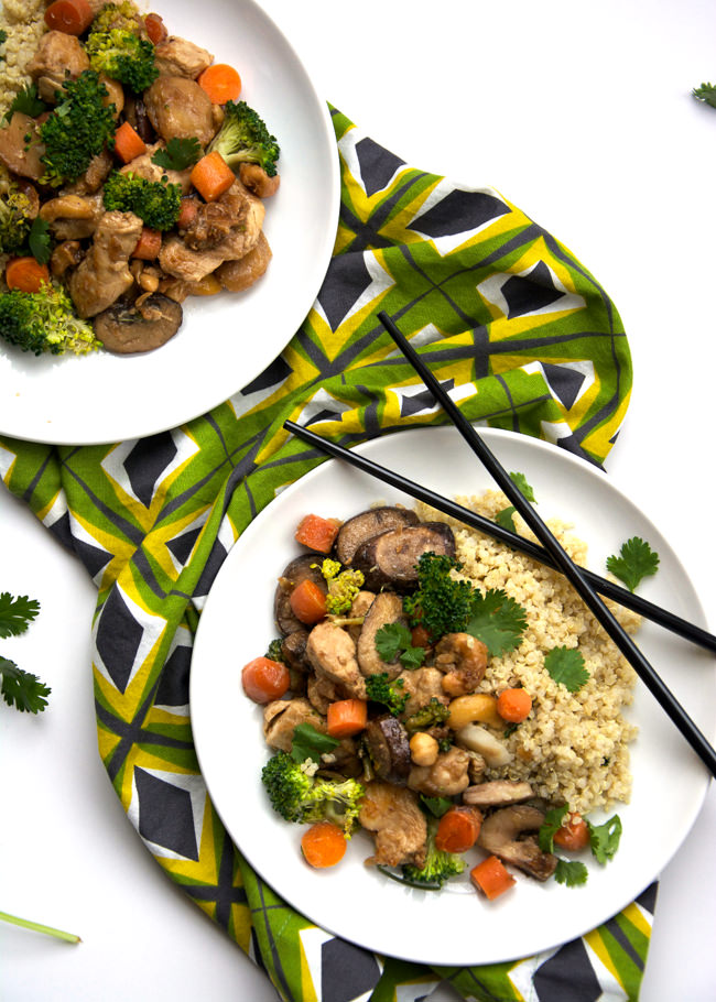 A classic Chinese dish gets a healthy makeover! Lighter PF Changs Cashew Chicken with Coconut Quinoa allows you get your fill of your favorite restaurant dish with crisp vegetables and served over flavorful, fluffy quinoa!