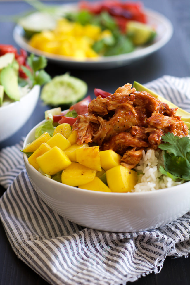 Mango, Black Bean & BBQ Chicken Rice Lettuce Bowls with Chile Lime Vinaigrette are a quick meal filled with fruit, spice and so many flavors!