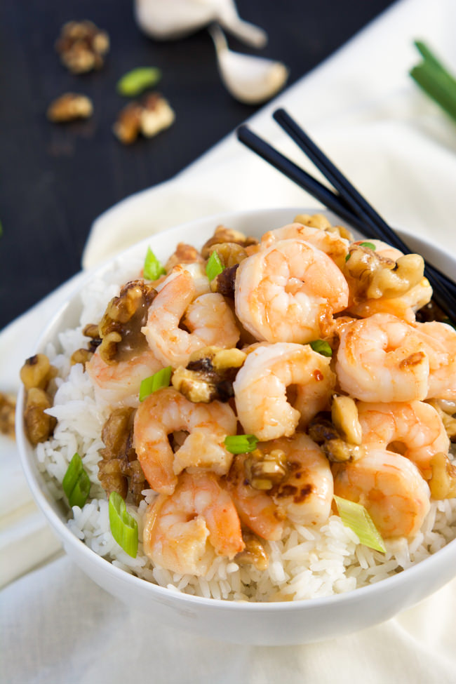 Skip takeout and make this Skinny Honey Walnut Shrimp that is tossed a creamy, spicy and sweet sauce then finished with lightly candied walnuts! Ready and on your table in under 30 minutes!