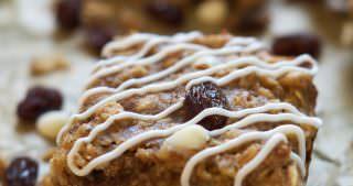 Chewy Cinnamon Roll Granola Bars