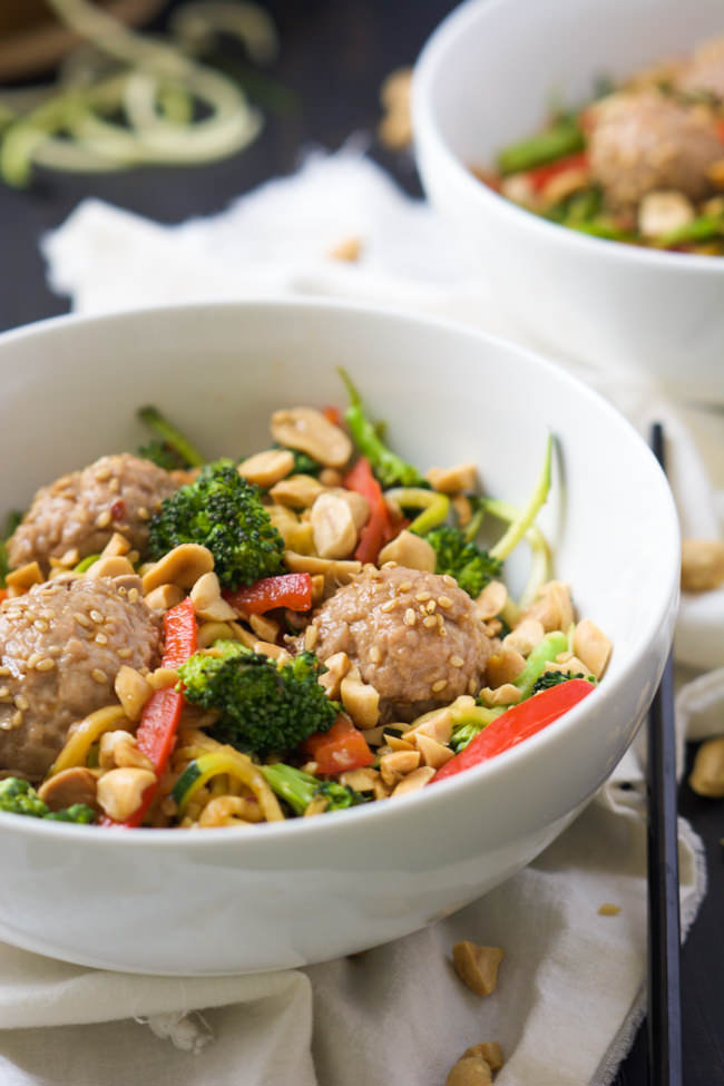 Spiralized teriyaki zucchini noodles with asian meatballs for Zucchini noodles and meatballs recipe