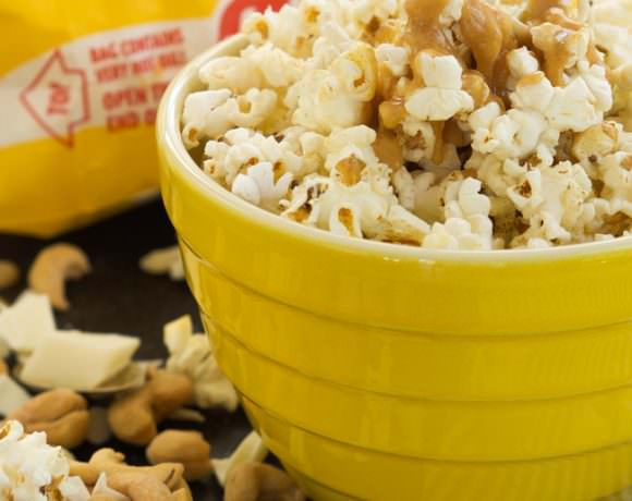 Skinny Peanut Butter Caramel Popcorn with Cashews & White Chocolate