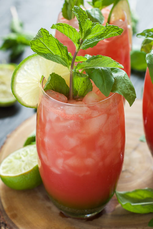 Skinny Watermelon Limeade | The Housewife in Training Files