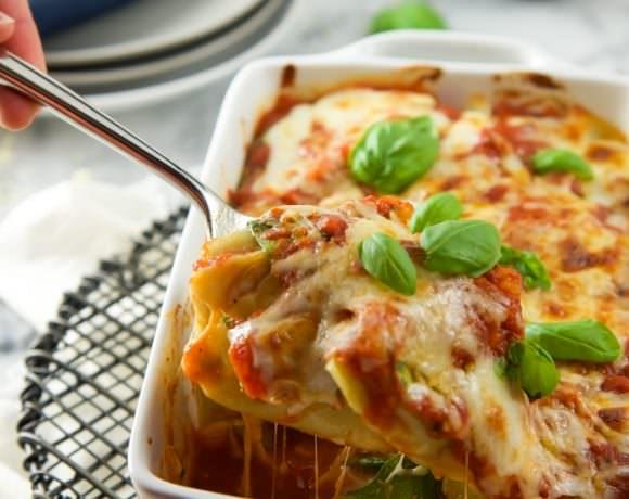 5 Ingredient Baked Spinach and Mozzarella Ravioli Florentine