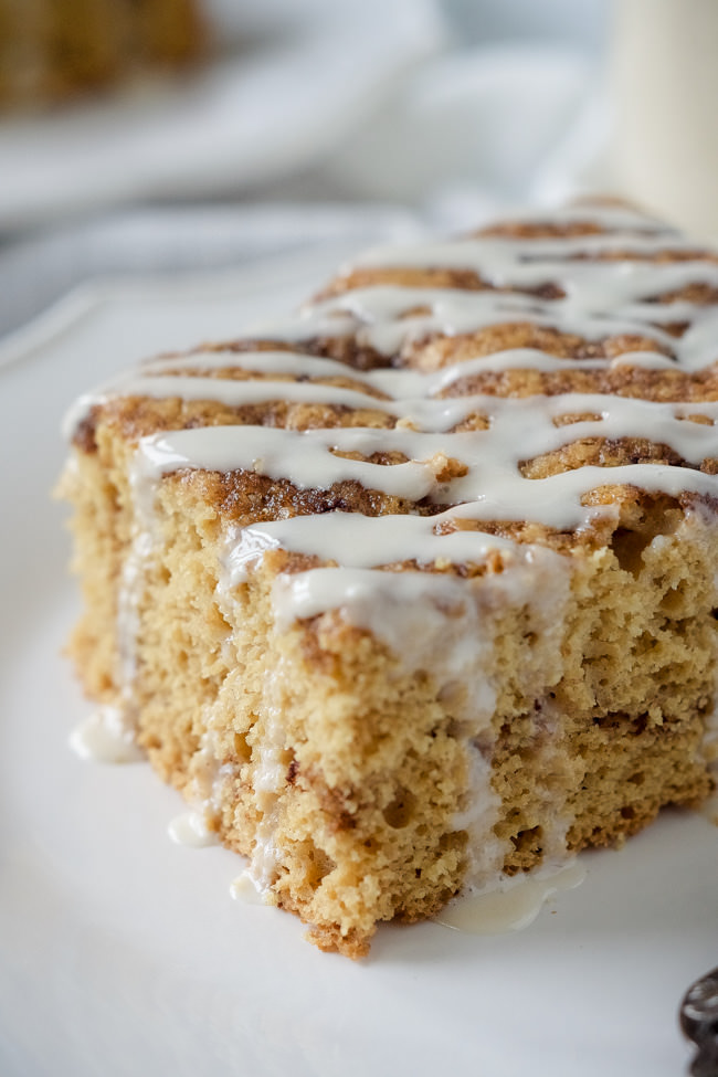 Easy Overnight Cinnamon Roll Coffee Cake