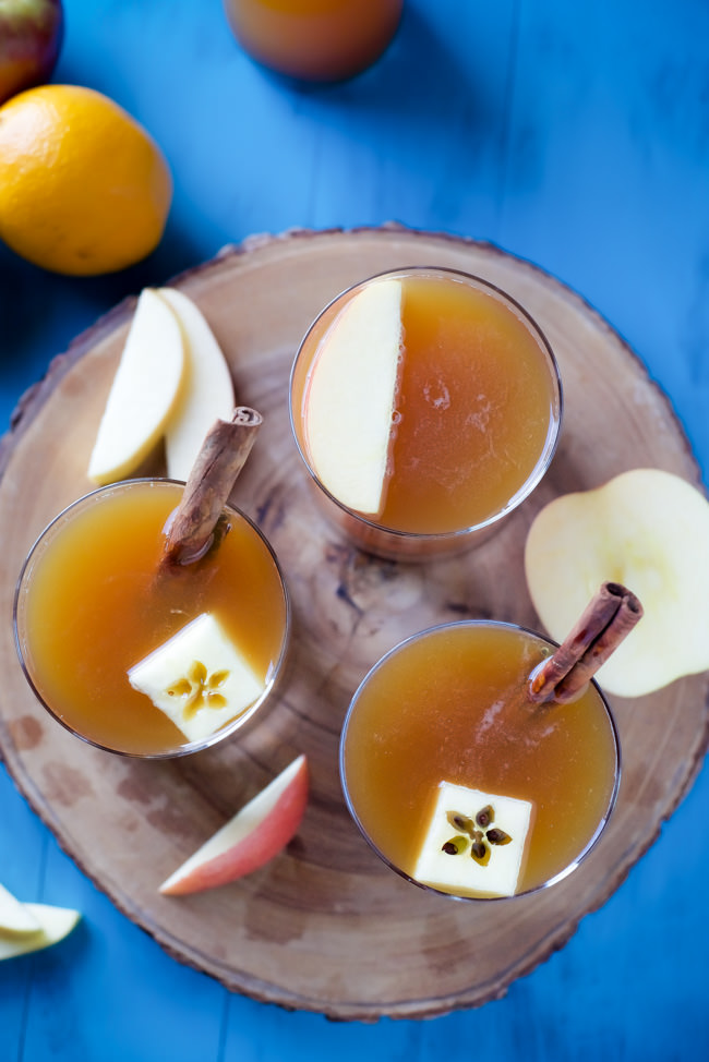The perfect autumn cocktail, Pumpkin Apple Cider Shandy is full of apple, pumpkin beer and a bit of spice!