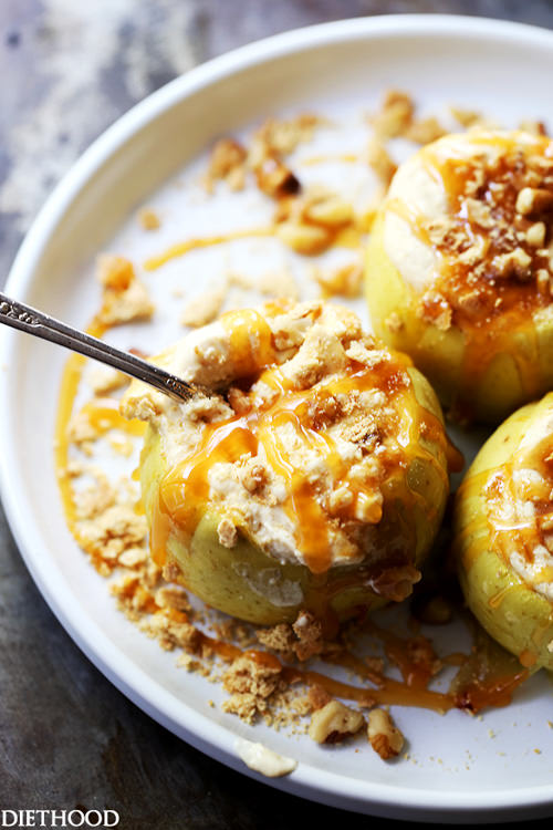 Skinny Caramel Cheesecake Stuffed Baked Apples | Diethood