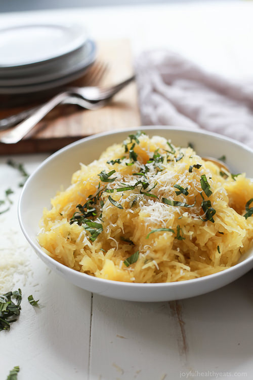 A 15 Minute way to make Spaghetti Squash that you will fall in love with, Parmesan Herb Microwave Spaghetti Squash. ItÕs as easy as 1,2, É it needs to be on your table this holiday season!