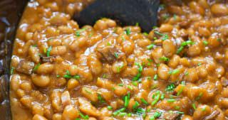 Slow Cooker Healthy Maple Bacon Baked Beans