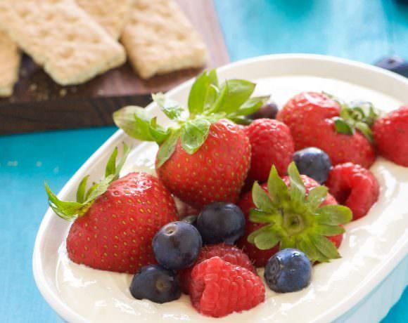 Lemon Berry Cheesecake Dip