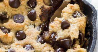 Paleo Deep Dish Salted Caramel Chocolate Chip Blondies