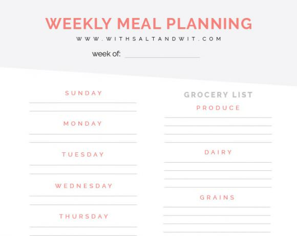 A Free Printable Weekly Meal Planner to organize & plan your family's weekly meals! Everyone will know what is on the menu, plus it includes a grocery list!
