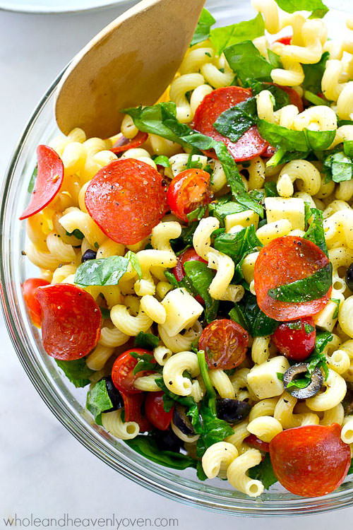Everything you love about pizza…in the form of a healthy Italian pasta salad! This super-easy salad is so simple to throw together, it will be perfect to make ahead or to have leftovers for!