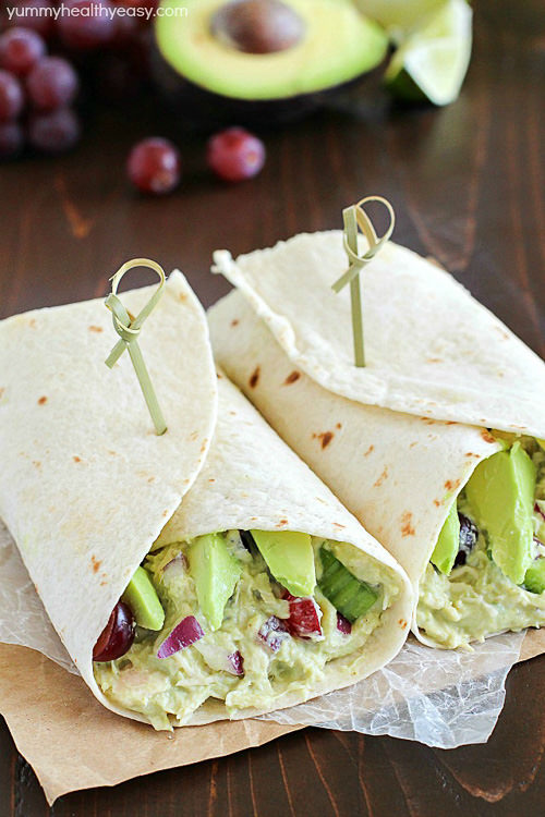 Avocado Chicken Salad Wrap – a perfect blend of avocado, Greek yogurt, chicken, celery, grapes, red onion & spices to make your lunch complete! This healthy recipe only takes a few minutes to whip up.